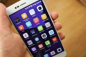 El ZTE Blade V8 es un celular con aspecto de lujo pero buen precio