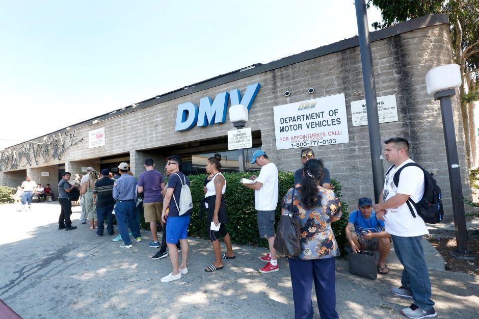 El DMV pide dinero para una atención más rápida
