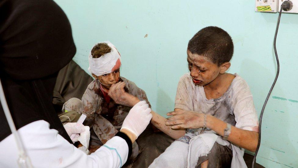 Unos 29 niños murieron y otros 30 resultaron heridos.