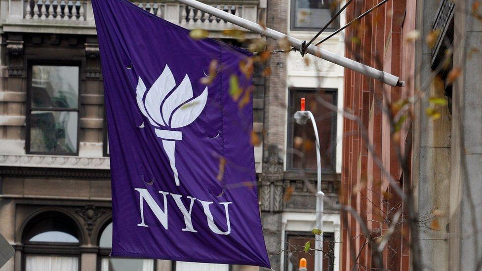 Por qué la Universidad de Nueva York ofrecerá gratis la carrera de medicina