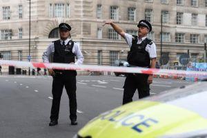 Video: Hombre choca en parlamento británico, el caso es investigado como terrorismo