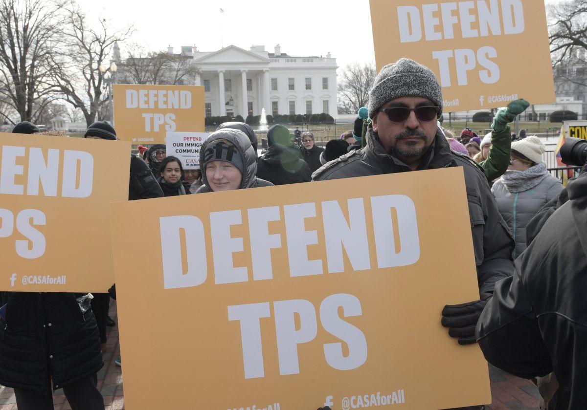 Juez federal bloquea temporalmente terminación del TPS