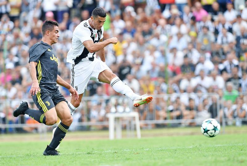 La Juventus se impuso a su filial por 5-0 y el portugués Cristiano Ronaldo ya se estrenó como goleador. (Foto: EFE/EPA/ALESSANDRO DI MARCO)