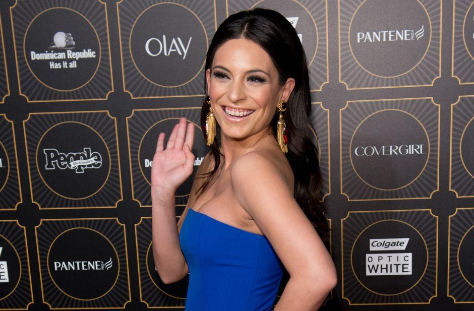 Ana Brenda Contreras: Se le abre el vestido y presume la piernita en los Latin Grammys