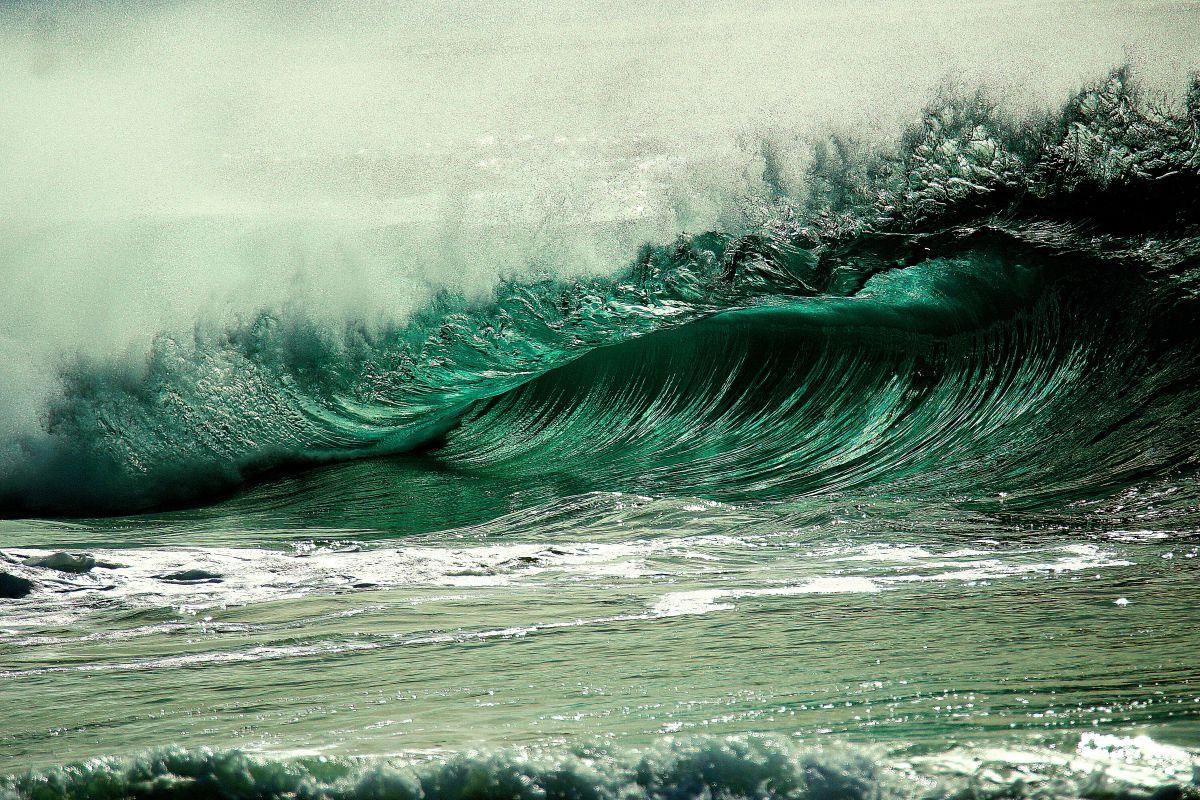 Aviso de olas peligrosas en playas de Los Ángeles y Orange
