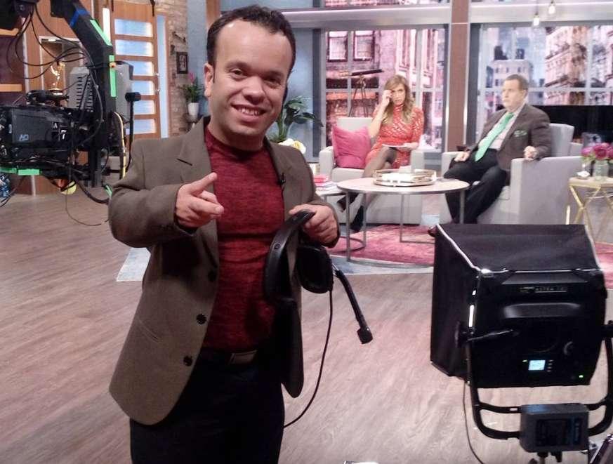 """""""El Gordo y La Flaca"""" comparte foto de """"Carlitos, El Productor"""" y su hijo, y algunos le hacen """"bullying"""""""