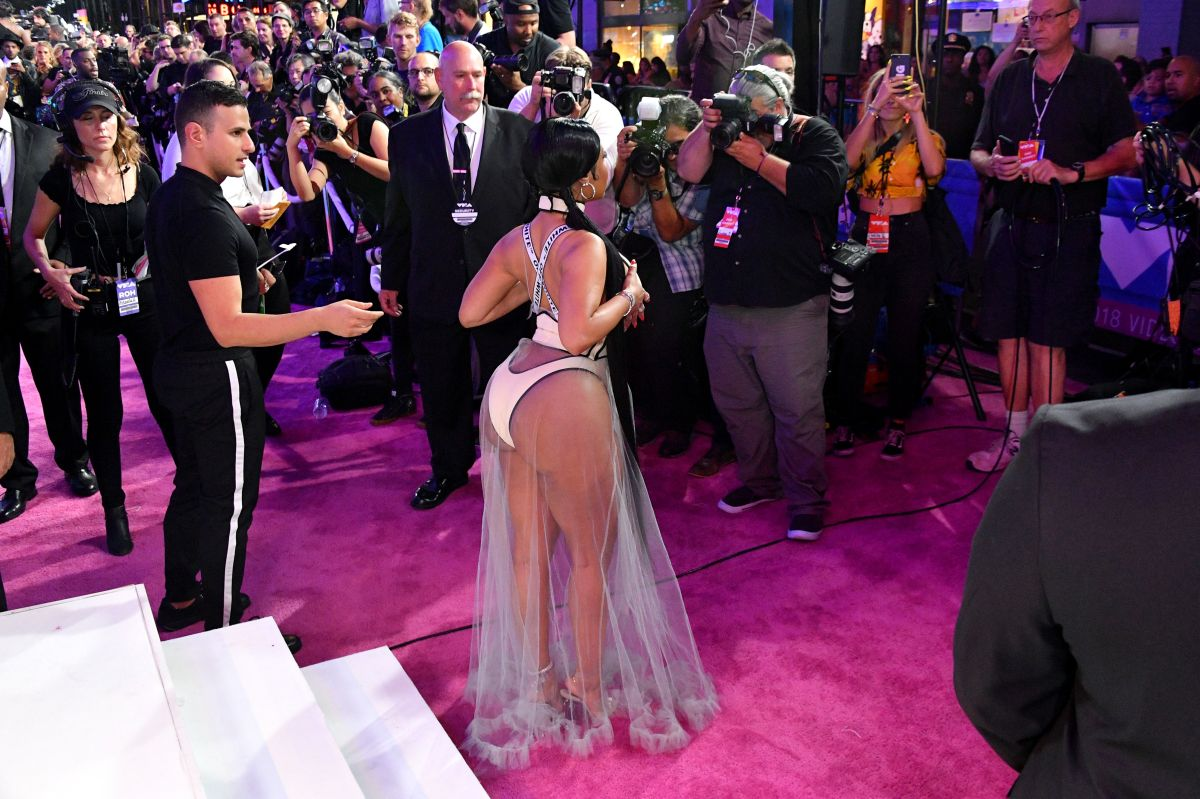 El incómodo momento de Nicki Minaj en los MTV VMAs