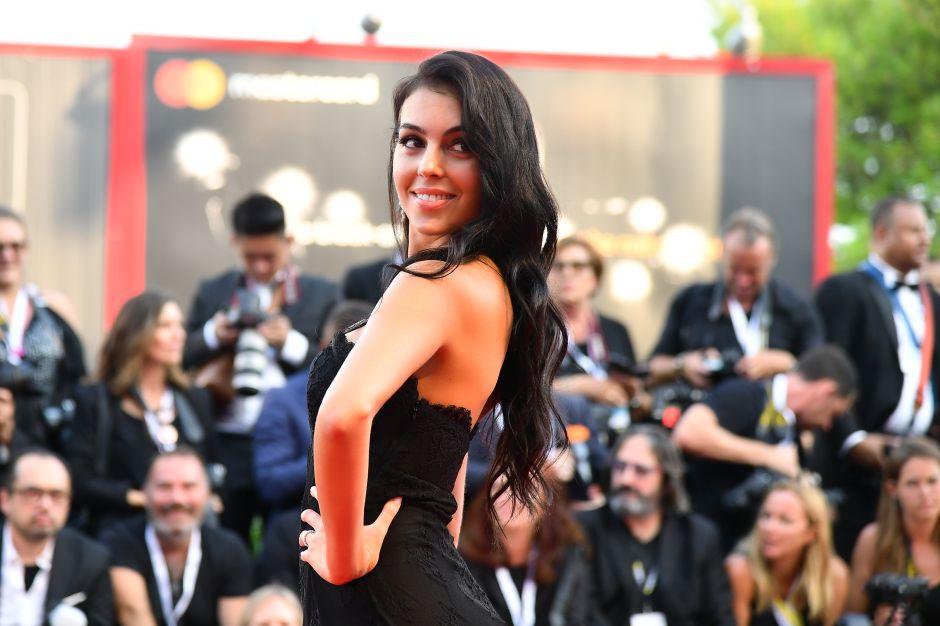 Georgina Rodríguez, novia de Cristiano Ronaldo, brilla en Venecia entre encajes y transparencias