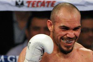 Boxeador mexicano Ray Beltrán dedicará su próxima pelea a los migrantes