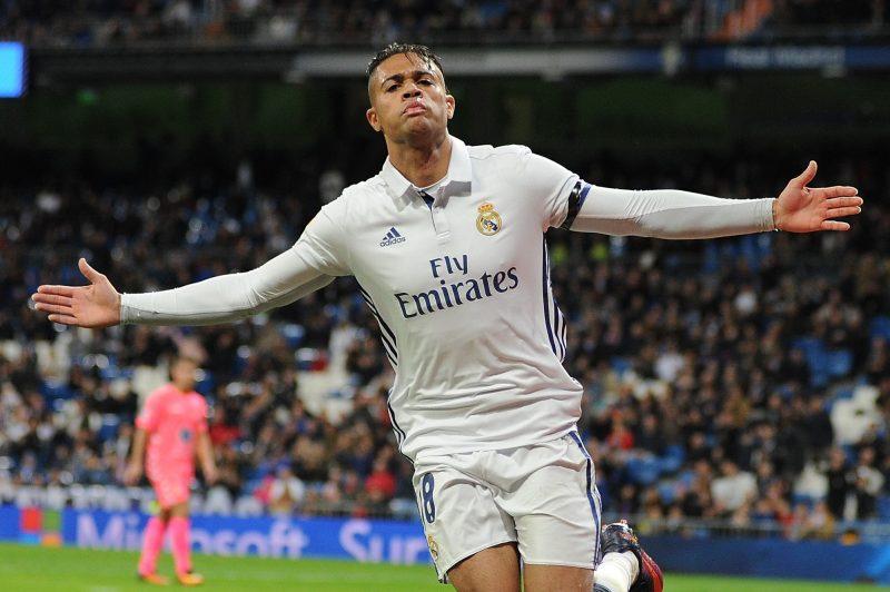 Real Madrid le da el 'sagrado' número 7 al dominicano Mariano y su afición enloquece
