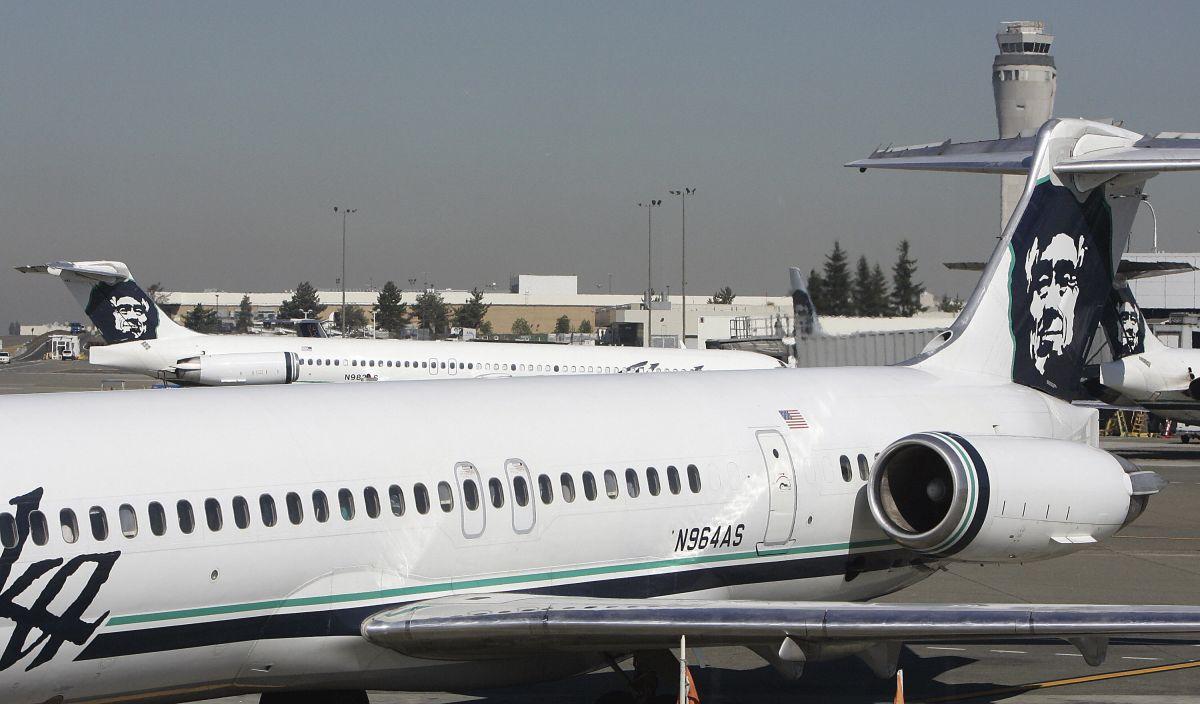 Aviones de Alaska Airlines en el aeropuerto Seattle-Tacoma.