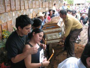 Otorgan asilo a la hija de Rufina Amaya, única sobreviviente de El Mozote