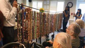1,000 grullas fabricadas por residentes de asilo de Rancho Palos Verdes para pacientes con cáncer