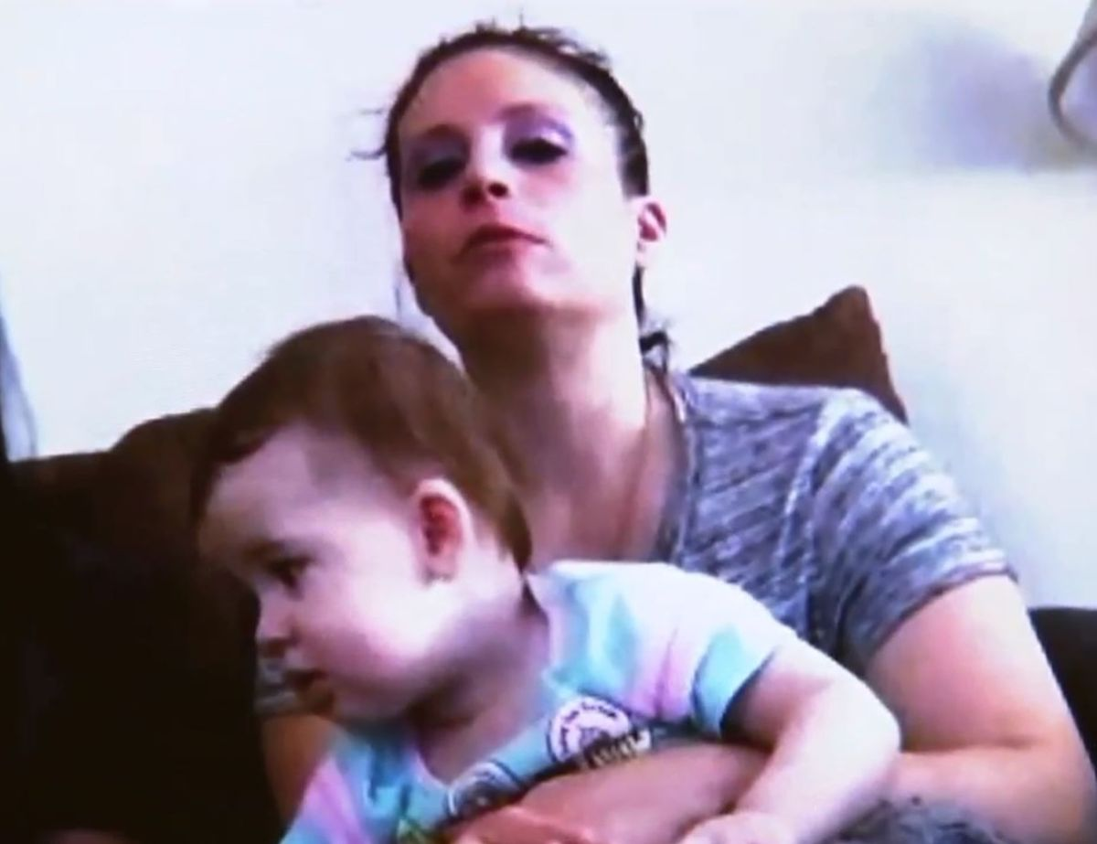 Las autoridades la ignoraron y dio a luz sola en la cárcel