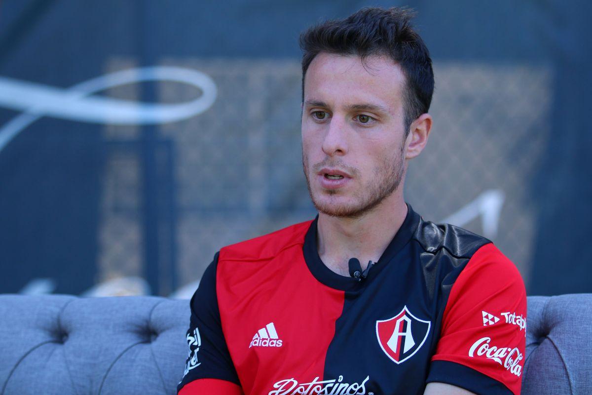 Atlas vendió al delantero chileno Ángelo Henríquez ¡por llorón!