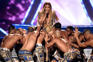 Video: Jennifer Lopez electriza los MTV VMAs 2018