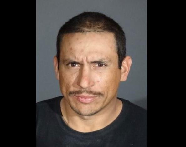 Autoridades buscan a hombre que mató a esposa embarazada
