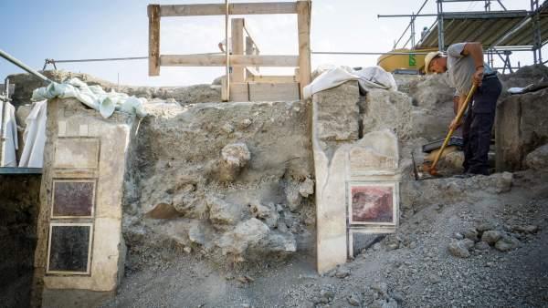 Se descubre un palacio sepultado bajo las cenizas en Pompeya.
