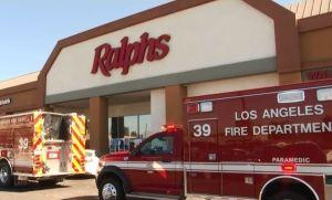 Un hombre se negó a usar tapabocas en supermercado de Los Ángeles y acabó en el hospital