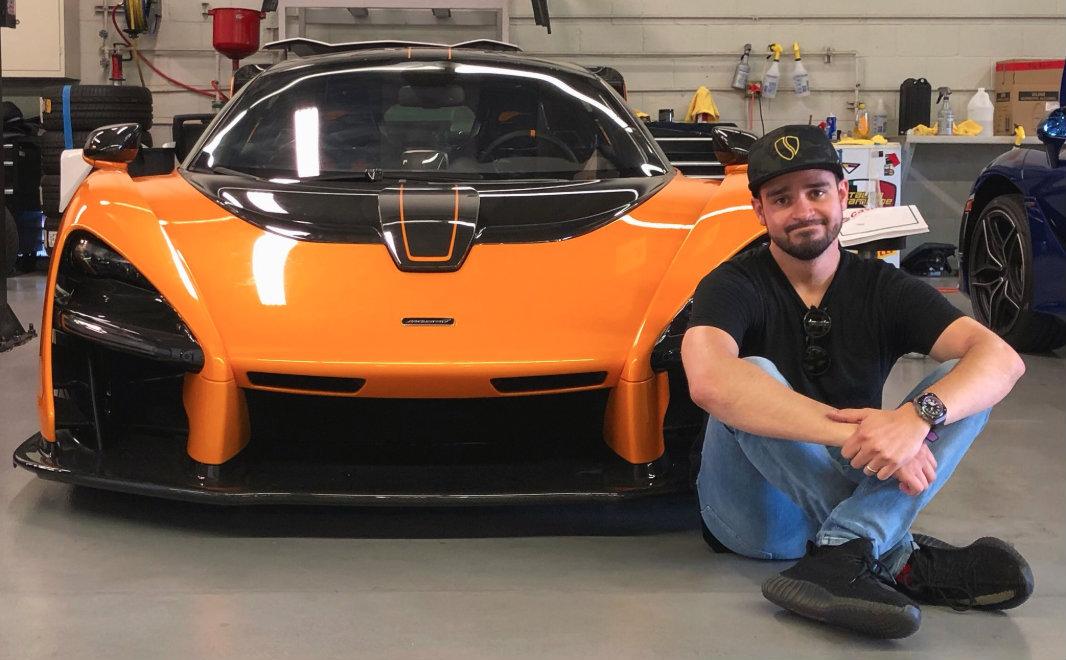 Él es Alejandro Salomón, Salomodrín, el mexicano que más sabe sobre autos en las redes sociales