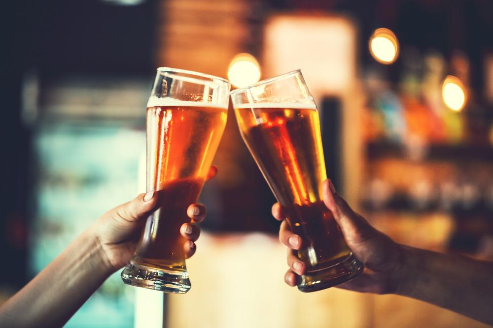 Beber poco alcohol no te libra del poder sufrir demencia