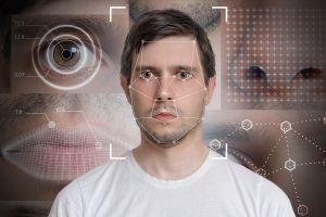 """Arrestan al hombre equivocado debido al reconocimiento facial, una """"tecnología racista"""" según lo expertos"""