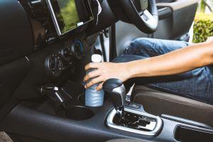 Video: ¿Dejas botellas de agua en tu auto? Podrías provocar un incendio