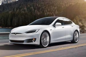 Tesla S vs Porsche Taycan: Elon Musk pondrá a prueba la velocidad de su creación en pista de carreras
