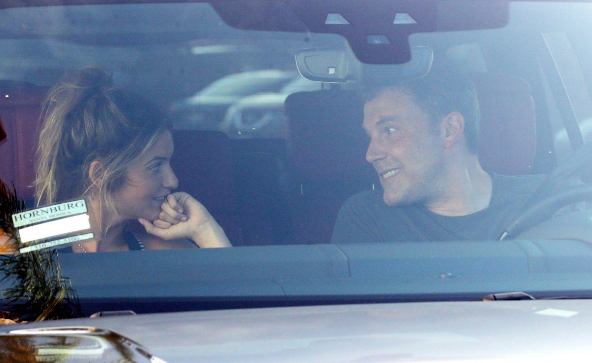 Ben Affleck se sale de su rehabilitación para reencontrarse con su joven novia
