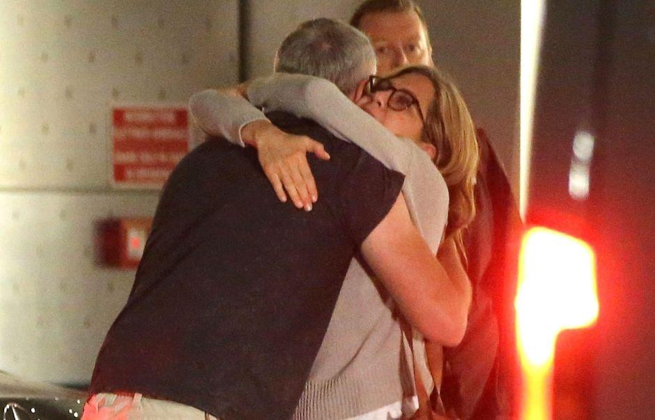 Jennifer Aniston en los brazos de un desconocido en Milán