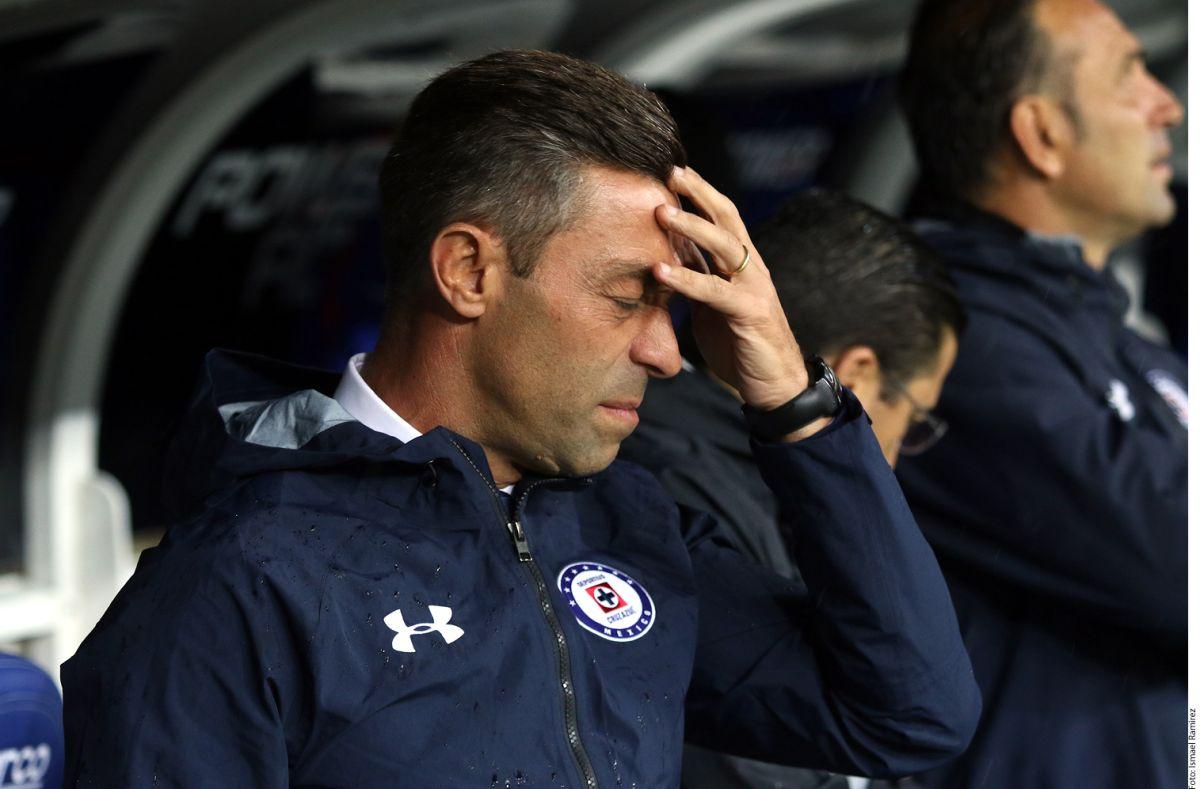 ¡Adiós Caixinha! Cruz Azul se queda sin director técnico