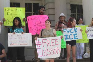 En vilo futuro de taxista ecuatoriano al que 'La Migra' ordenó deportar