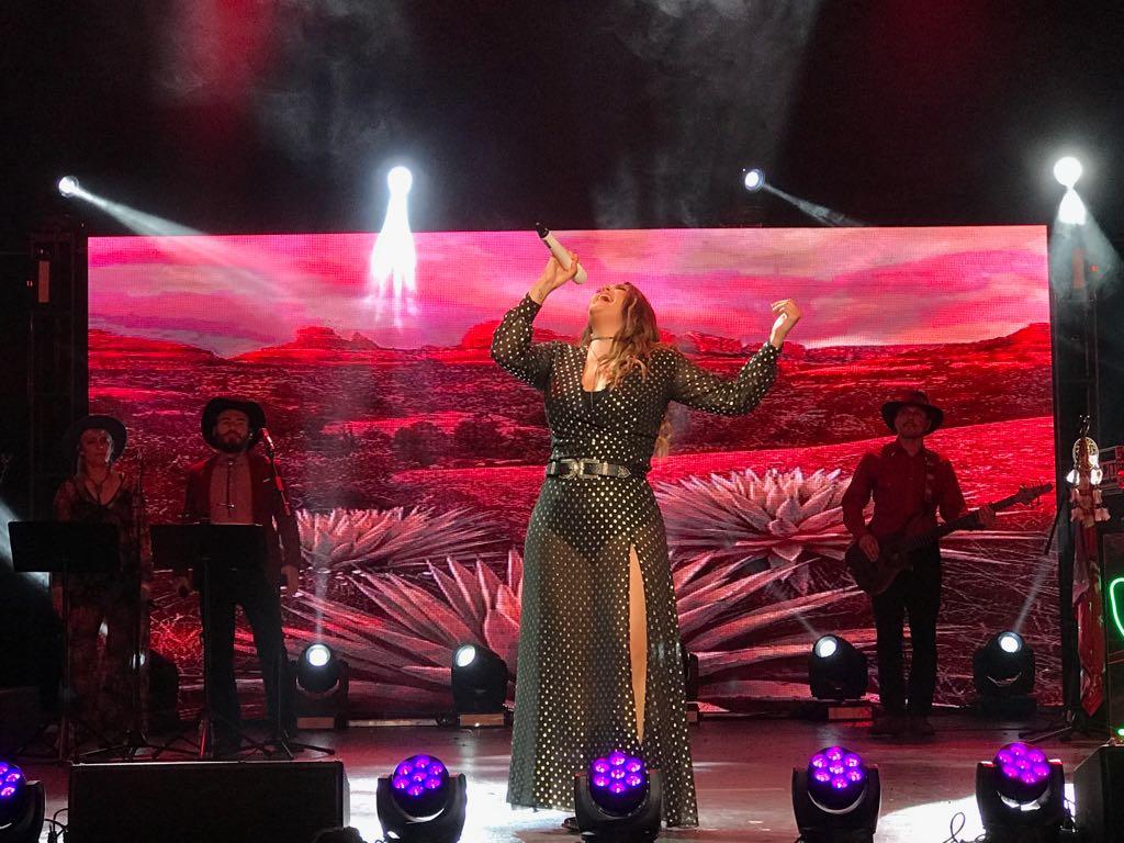 Yuridia cantó y conquistó Los Ángeles