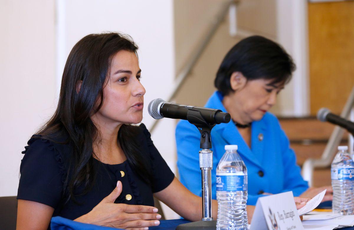La congresista Nanette D Barragán confía en un cambio de actitud hacia los inmigrantes. (Aurelia Ventura/La Opinión).