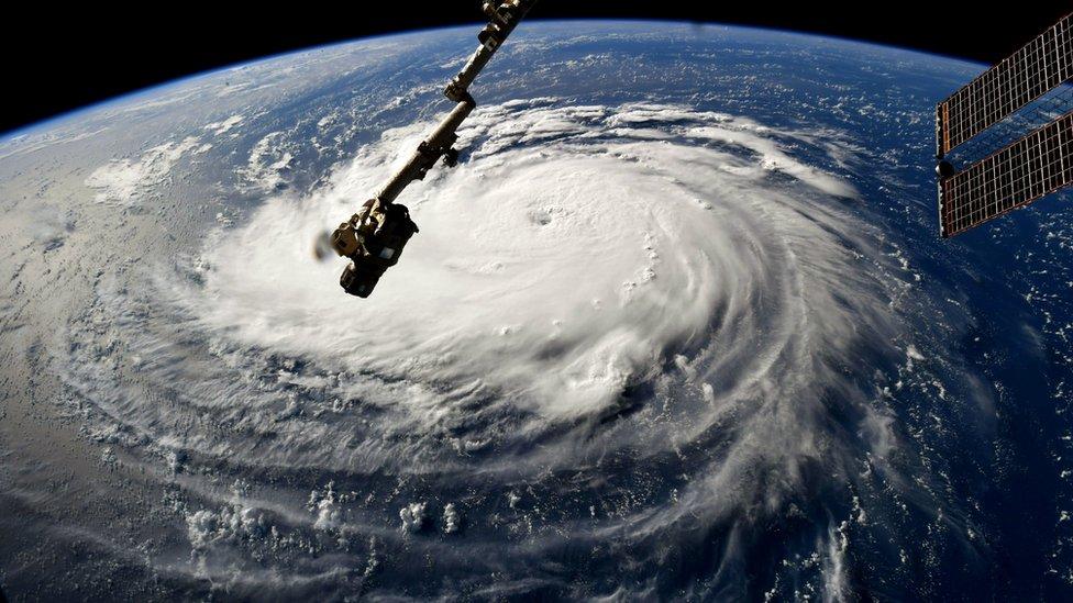 Huracán Florence: Cómo hacen los meteorólogos para predecir la ruta de los ciclones