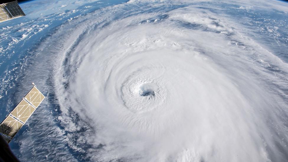 ¿Por qué el huracán Florence es tan peligroso aunque pierda fuerza?