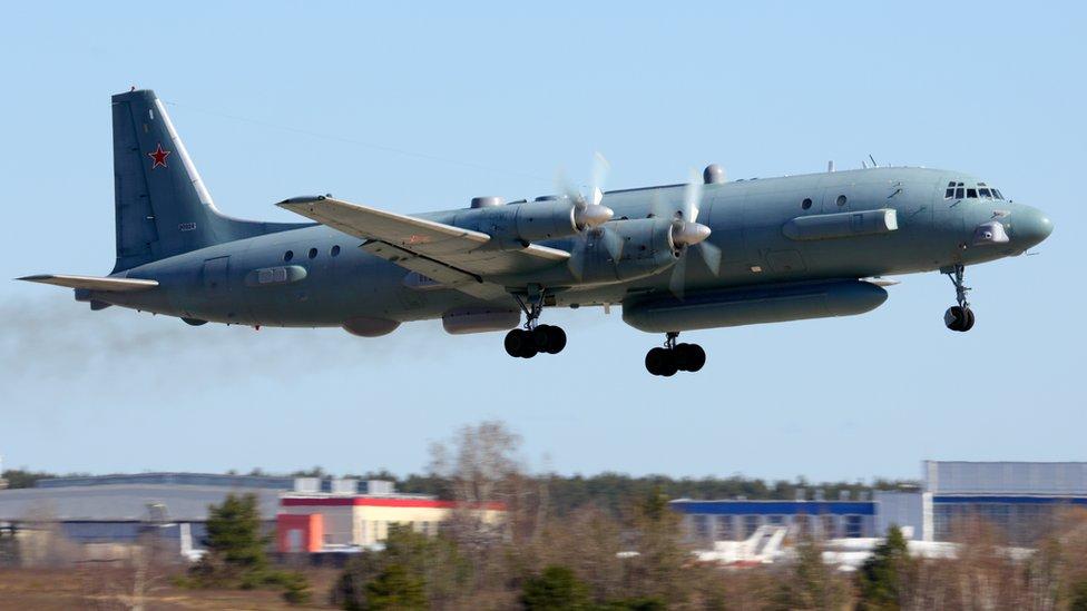 Por error Siria derriba avión militar ruso, pero Moscú culpa a Israel
