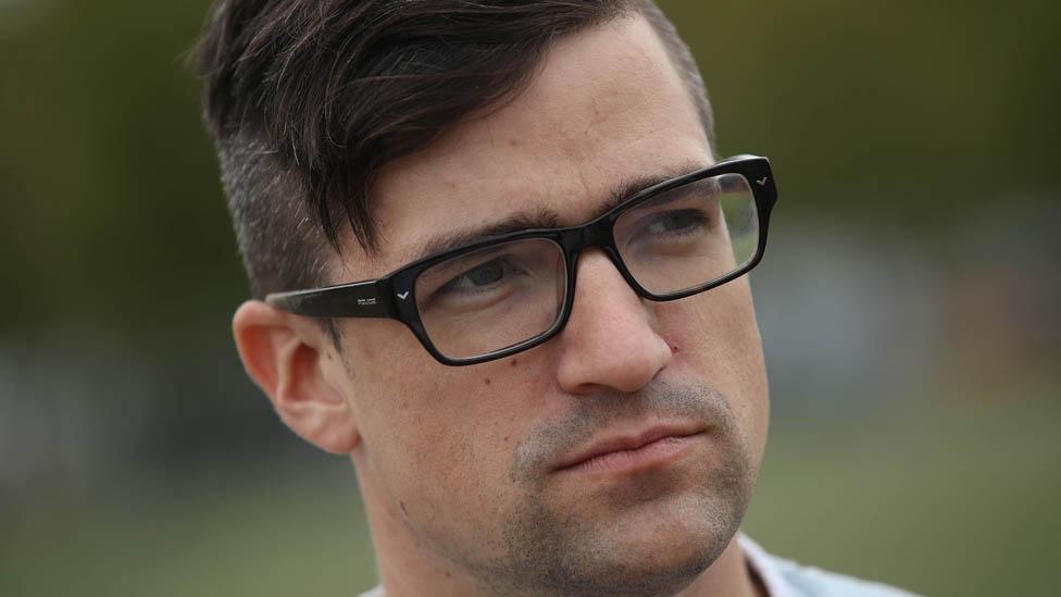 """Martin Sellner, el """"hipster"""" que se convirtió en la nueva cara de la extrema derecha en Europa"""