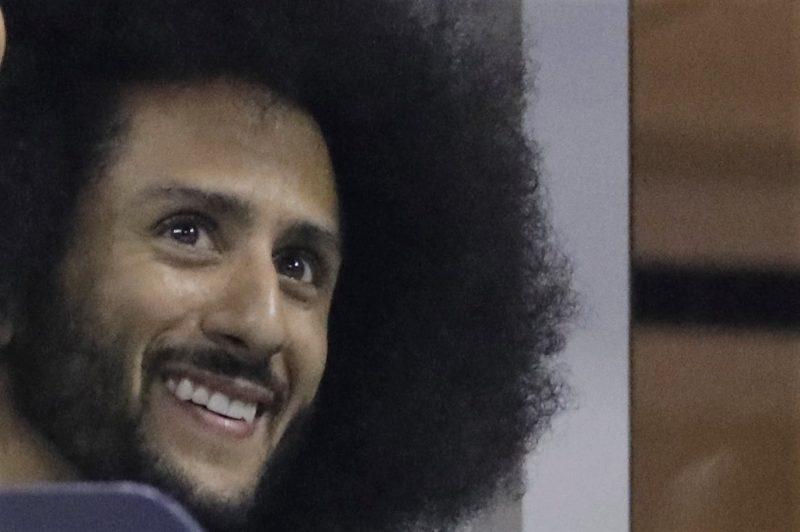 Las acciones de Nike están a la baja luego de dar a conocer contrato con Kaepernick