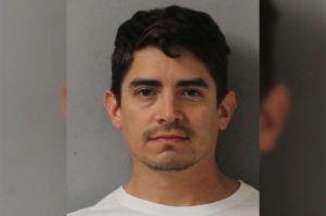 Arrestan a latino por manosear a pasajera durante vuelo en Texas