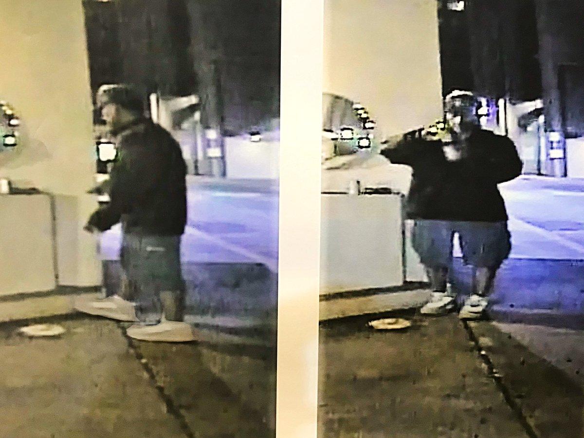 (VIDEO) Brutal golpiza con un bate de beisbol en robo a tres personas en Los Ángeles