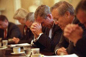 Las fotos que muestran lo que hizo George W. Bush justo después del ataque el 9/11 a las Torres Gemelas
