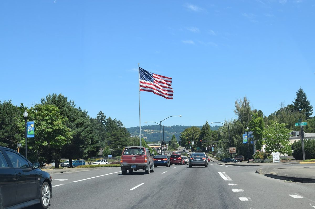 ¿Se puede manejar en Estados Unidos con licencia de conducir extranjera?