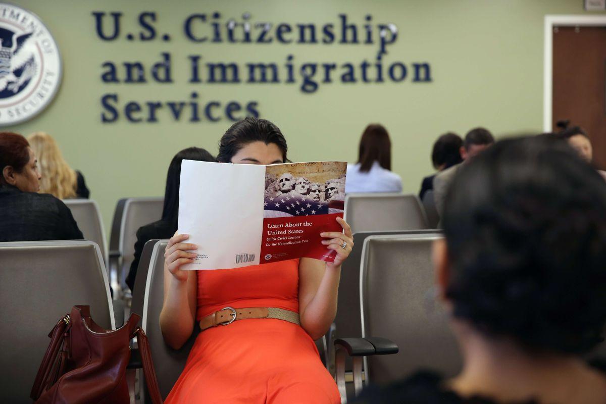 Mayoría de los migrantes indocumentados en EEUU llegan al país legalmente