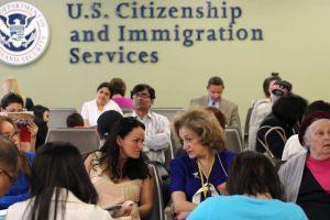 Las nuevas reglas de USCIS que dificultan obtención de estatus legal en EEUU