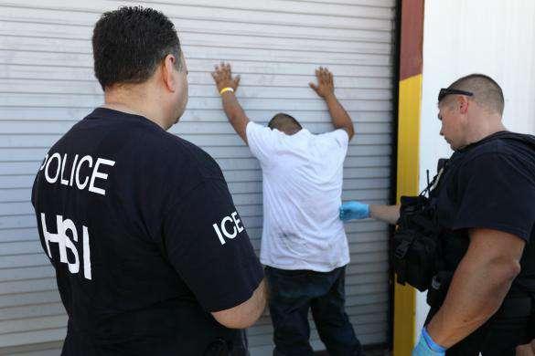 Esta misma semana, ICE realizó un operativo en una fábrica de Texas.