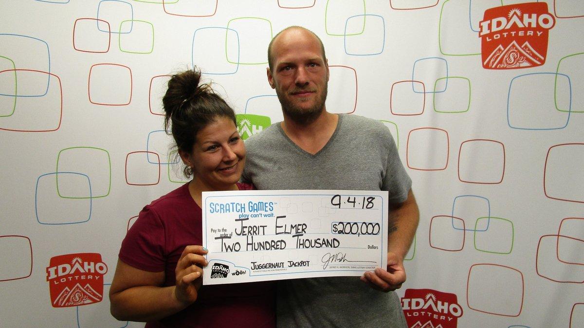 Una tradición familiar le trae buena suerte en la lotería a este padre de familia