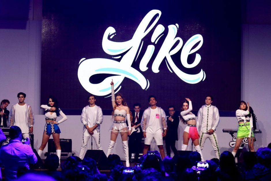 Presentan a elenco de 'Like, la leyenda', telenovela de Televisa y Univision