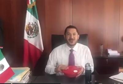Martí Batres, hombre cercano a AMLO, impulsa el #TuppersChallenge