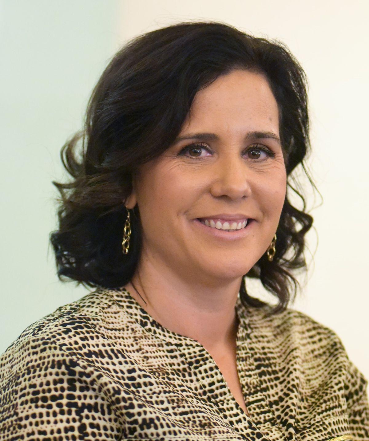 Richelle Huizar se lanza por el asiento en el Concejo de Los Ángeles que dejará vacante su esposo